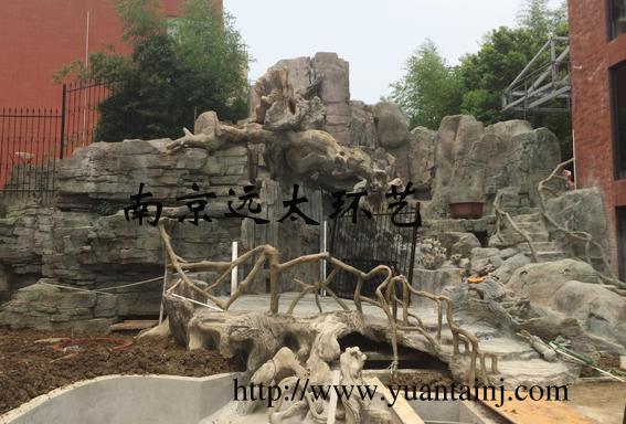 小区塑石假山.jpg